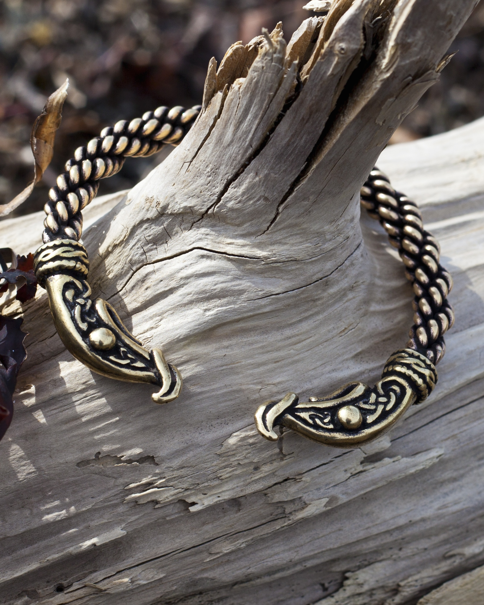 crafty celts officially licensed vikings jewelry and hand